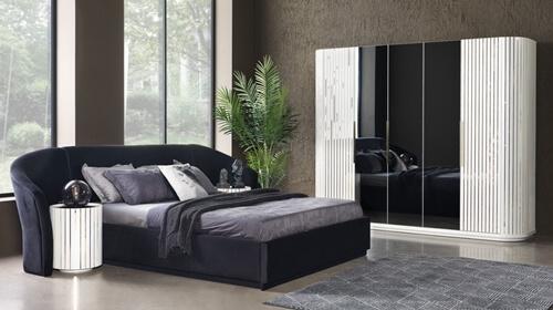 Soru 129: Siyah Beyaz Yatak Odası Takımı İle Uyumlu Fon Perde Halı Yatak Örtüsü