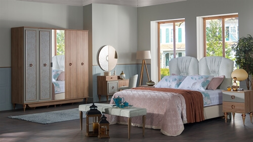 Soru 131: Gri Su Yeşili Yatak Odası Takımı İle Uyumlu Fon Perde Halı Duvar Rengi
