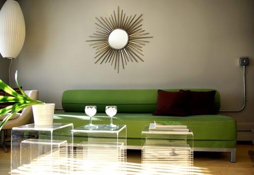 mobilyalar-yesil-duvarlar-bej
