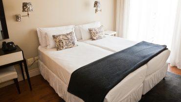 Yatak Odasında Abajur Kullanımı İçin 8 Örnek